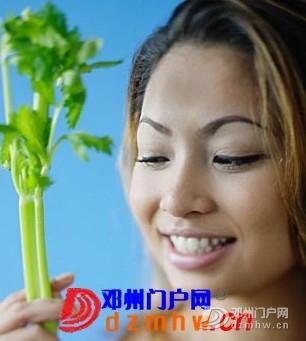 芹菜和香菜可预防乳腺癌发病率! - 邓州门户网 邓州网 - 0918518wcwr9kwwrr0k1rk.jpg