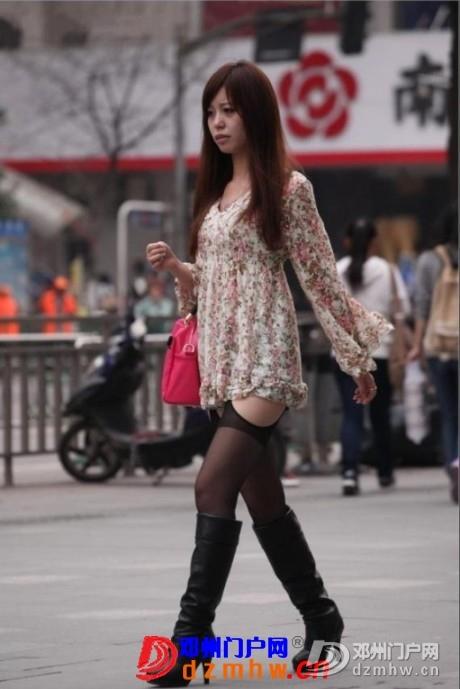 夏天快到了,街头妹子短裙上阵露美腿,回复查看压箱底的! - 邓州门户网|邓州网 - 460.jpg