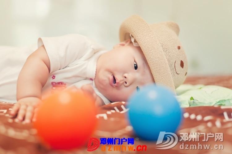 同事帮我在家给我女儿拍的写真,4个月大。挺给力的阿 - 邓州门户网|邓州网 - 170488_ac4c13759303732021b3ee1810221.jpg