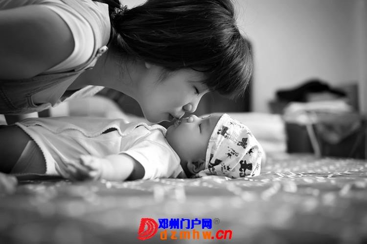 同事帮我在家给我女儿拍的写真,4个月大。挺给力的阿 - 邓州门户网|邓州网 - 170488_1530137593043232067e6c374287f.jpg