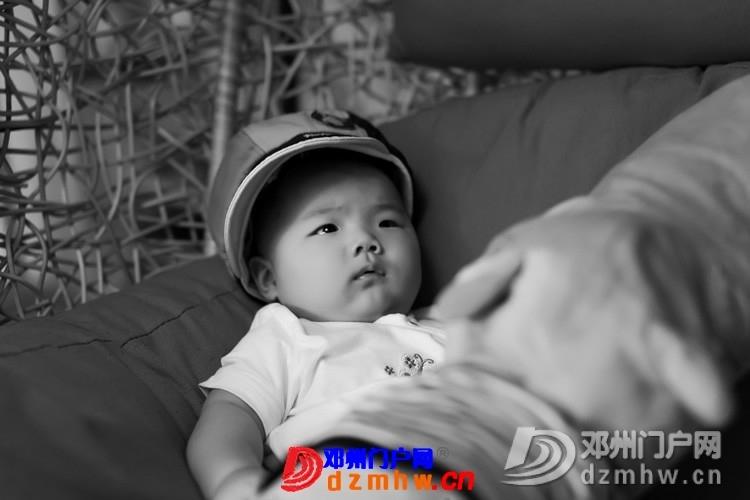 同事帮我在家给我女儿拍的写真,4个月大。挺给力的阿 - 邓州门户网|邓州网 - 170488_6e741375930462786dc8640ce7721.jpg