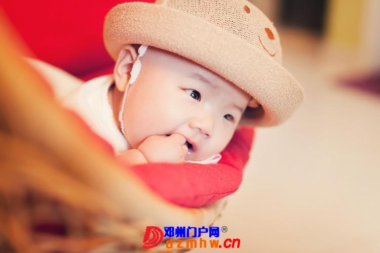 同事帮我在家给我女儿拍的写真,4个月大。挺给力的阿 - 邓州门户网|邓州网 - 170488_7d1b1375930491eff2c785f77b036.jpg