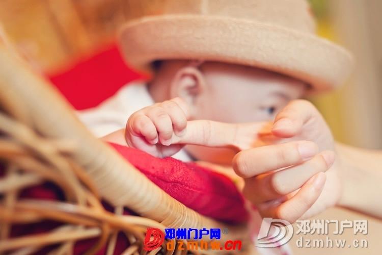 同事帮我在家给我女儿拍的写真,4个月大。挺给力的阿 - 邓州门户网|邓州网 - 170488_56ce13759305237cc262f7d1ef213.jpg