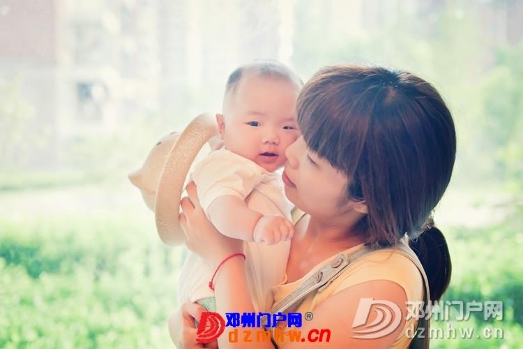 同事帮我在家给我女儿拍的写真,4个月大。挺给力的阿 - 邓州门户网|邓州网 - 170488_7cbe13759305652af4b0799effdf5.jpg