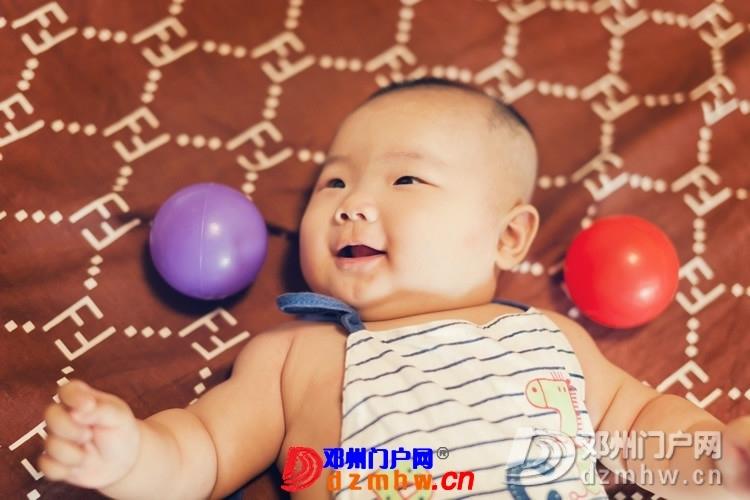 同事帮我在家给我女儿拍的写真,4个月大。挺给力的阿 - 邓州门户网|邓州网 - 170488_480c13759305982e7be98ed22845b.jpg