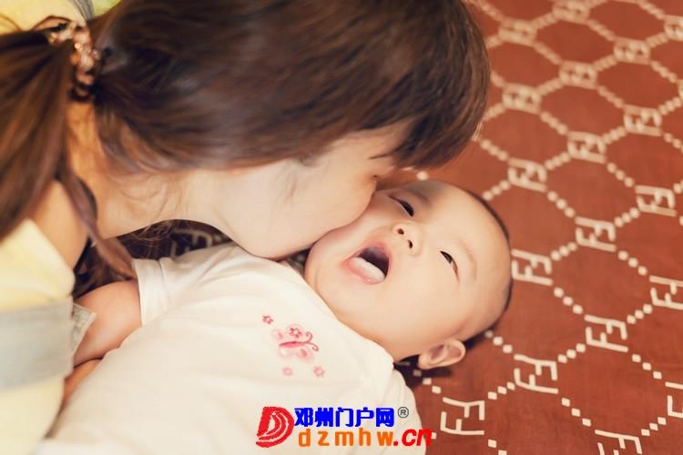 同事帮我在家给我女儿拍的写真,4个月大。挺给力的阿 - 邓州门户网|邓州网 - 170488_204413759305746b6f5cf3a69e9bc.jpg