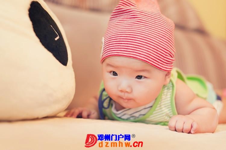 同事帮我在家给我女儿拍的写真,4个月大。挺给力的阿 - 邓州门户网|邓州网 - 170488_a4541375930626c6e809f34de85fa.jpg