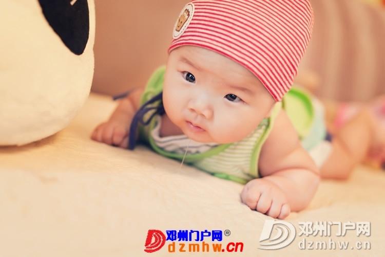 同事帮我在家给我女儿拍的写真,4个月大。挺给力的阿 - 邓州门户网|邓州网 - 170488_c19f1375930616bca3f240a2b7beb.jpg