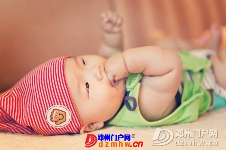 同事帮我在家给我女儿拍的写真,4个月大。挺给力的阿 - 邓州门户网|邓州网 - 170488_df5d13759306356d8295e29653ff9.jpg