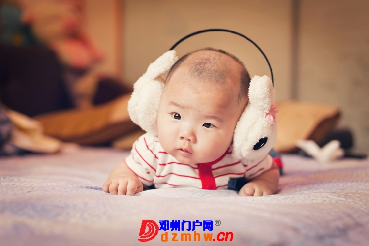同事帮我在家给我女儿拍的写真,4个月大。挺给力的阿 - 邓州门户网|邓州网 - 170488_66c013759306784e81829764daf74.jpg