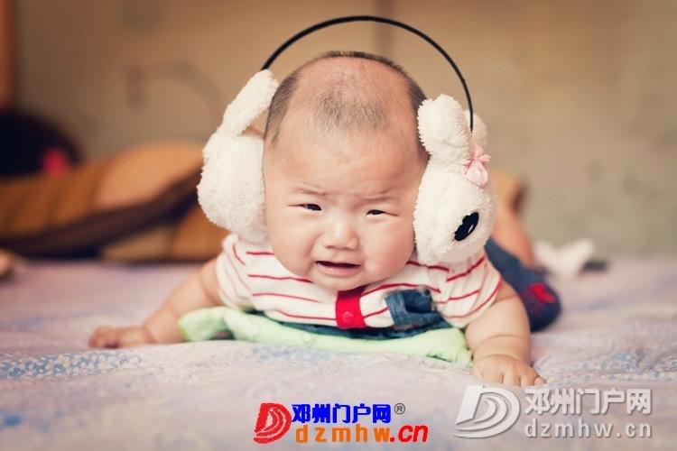同事帮我在家给我女儿拍的写真,4个月大。挺给力的阿 - 邓州门户网|邓州网 - 170488_96b613759306873dba08652e9bf6e.jpg