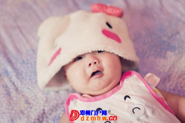 同事帮我在家给我女儿拍的写真,4个月大。挺给力的阿 - 邓州门户网|邓州网 - 170488_5c1e13759307863166643586075a8.jpg