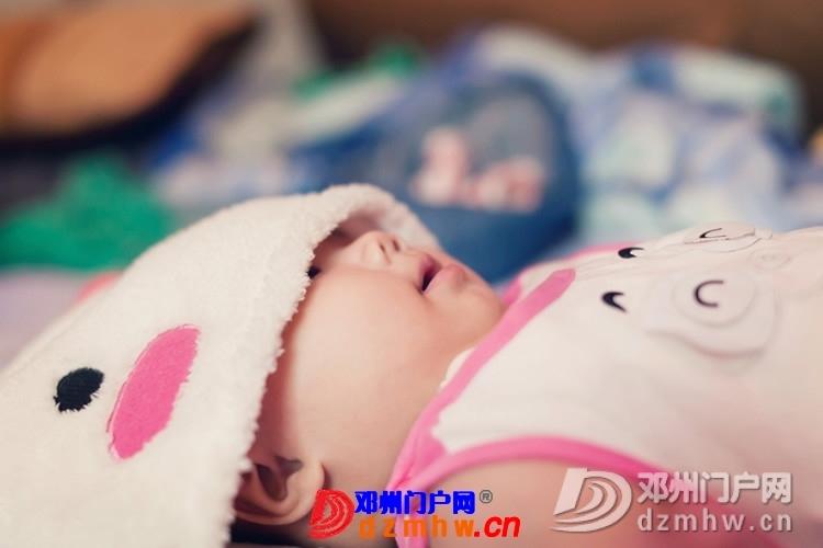 同事帮我在家给我女儿拍的写真,4个月大。挺给力的阿 - 邓州门户网|邓州网 - 170488_4ea4137593077286e728c8849da99.jpg