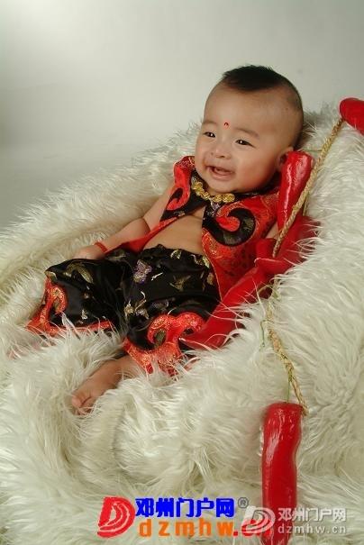 我家宝宝的百日照,前两天去拍的,可爱吧 - 邓州门户网|邓州网 - 0004_PsIzSnYKetU7.jpg