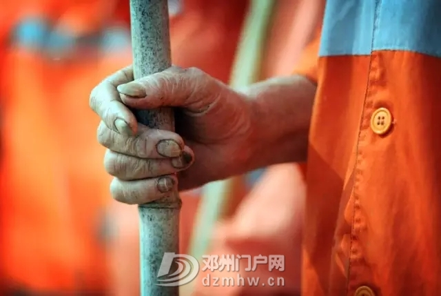 邓州的凌晨四点半,令人心痛! - 邓州门户网|邓州网 - 640.webp14.jpg