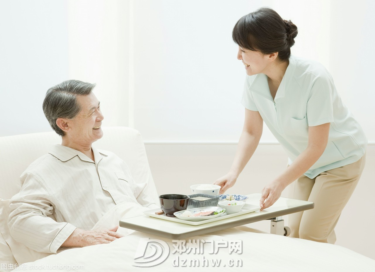 医院的陪护天使:护工 - 邓州门户网|邓州网 - 57461267950085917.jpg