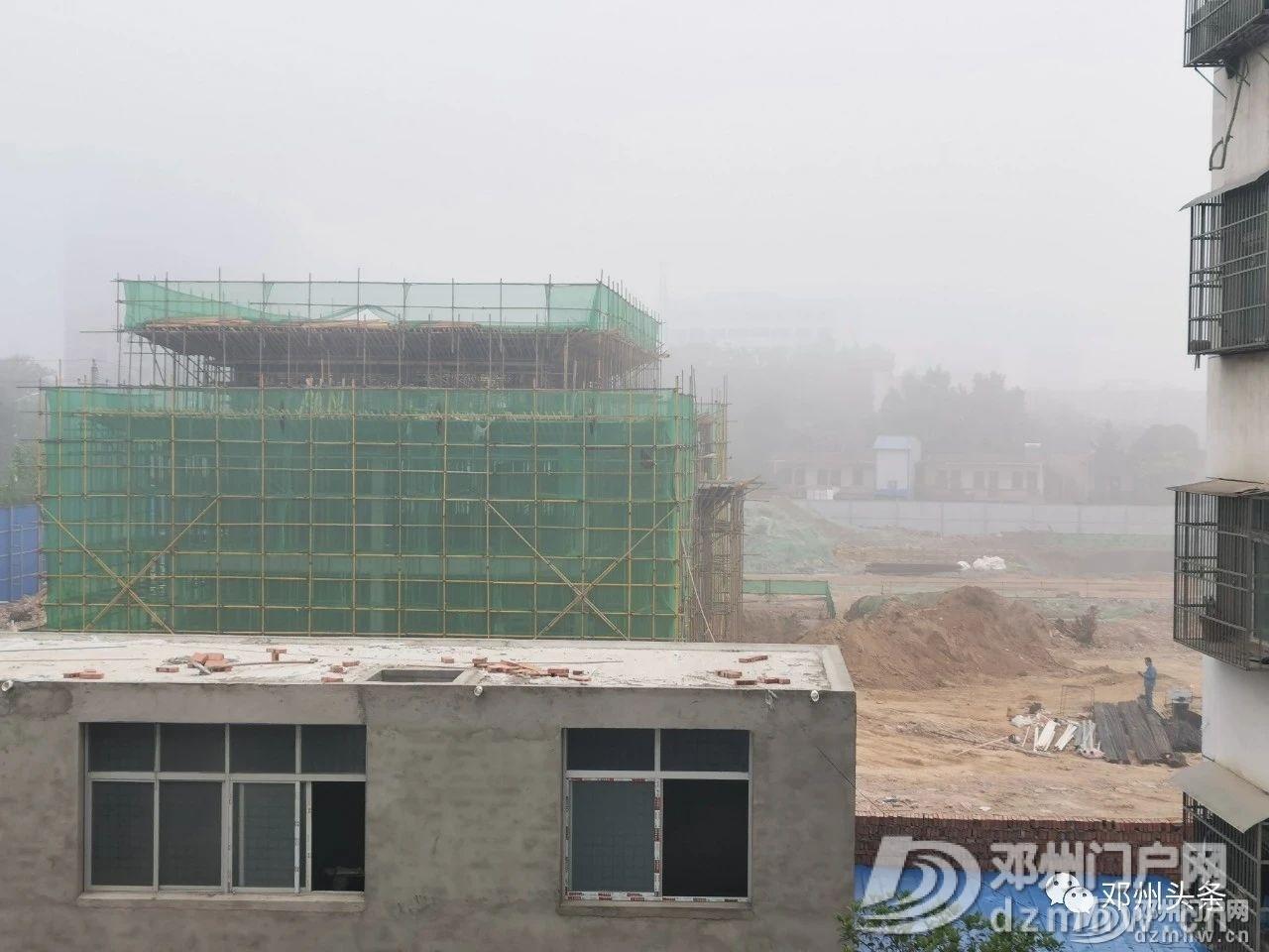 邓州网友反映某楼盘夜间施工扰民,管理后多次反弹 - 邓州门户网|邓州网 - 1f2b376af3af35479d2cf2a479af0350.jpg