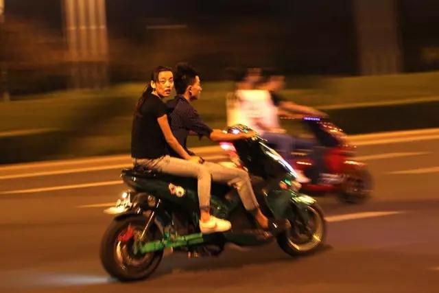 邓州这七个骑电动车的已被曝光,看有你认识的吗? - 邓州门户网|邓州网 - 微信图片_20201009095135.jpg