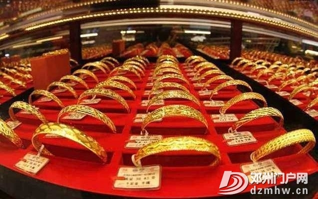 南阳老人喜中一等奖,被告知买珠宝才能抵用1000元,老人当场晕倒 - 邓州门户网|邓州网 - 7161f69fb78263b4064fb462467b5e28.jpg